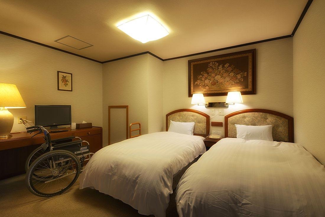 檜風呂付和洋室ベッドルーム